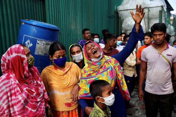 Many among Dead in Bangladesh Factory Fire Burned Beyond Recognition