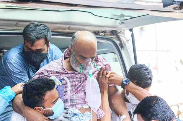 Bangladesh Faces Serious Shortage of ICU Beds amid Huge COVID-19 Spike
