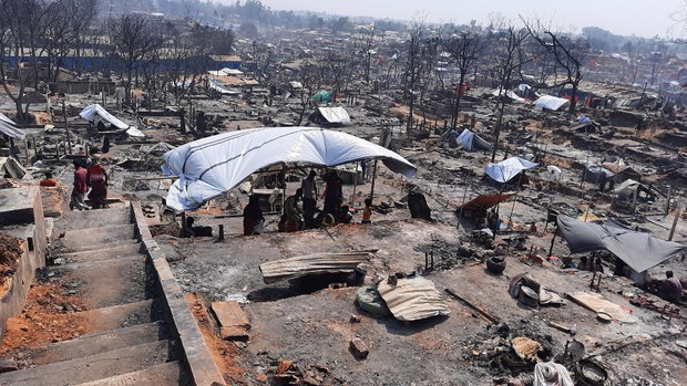 At Least 15 Die in Huge Fire at Bangladesh Rohingya Camp, UN Says