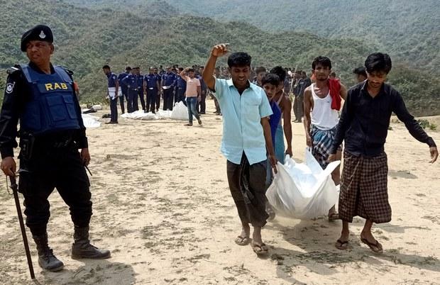 200302-BD-rohingya-robbers-620.jpg