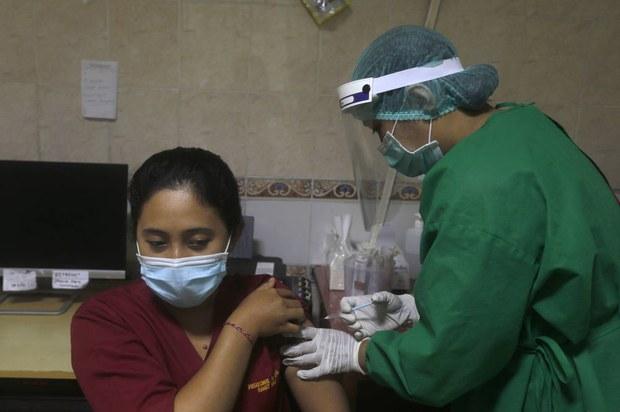 Indonesia Greenlights China's Sinovac Vaccine for Emergency Use