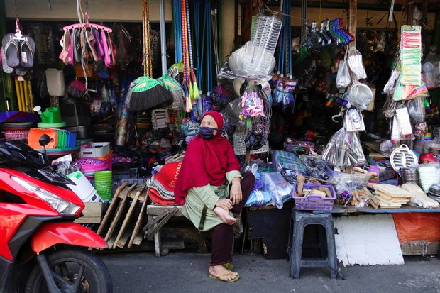 Indonesia Relaxes COVID-19 Restrictions Despite Deaths Remaining Near Record High
