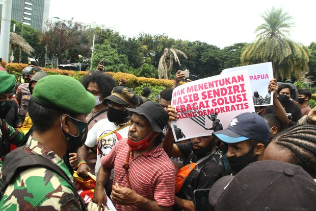 Indonesia Passes New Papuan Autonomy Law; Separatists Reject it as Unsatisfactory