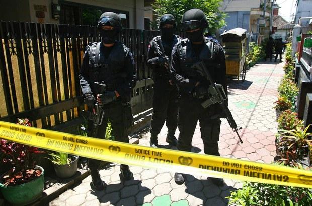 151230-ID-terror-funds-620