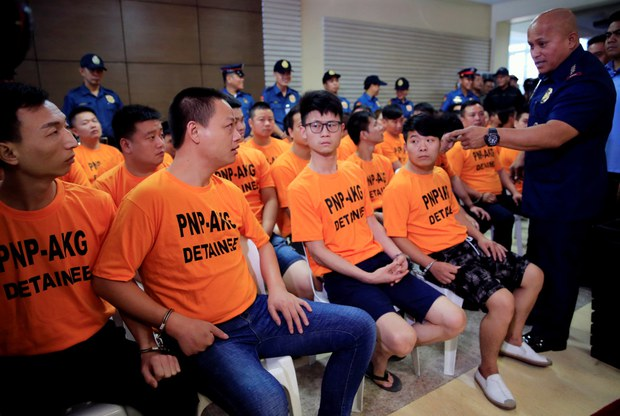 Philippine Police Catch 8 Suspected Chinese Members of Kidnap Gang