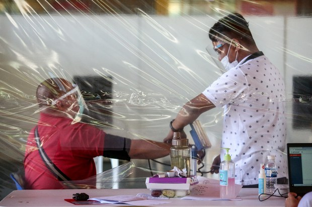 Philippines Tops 1 Million Infections as Region Struggles to Contain COVID-19 Waves