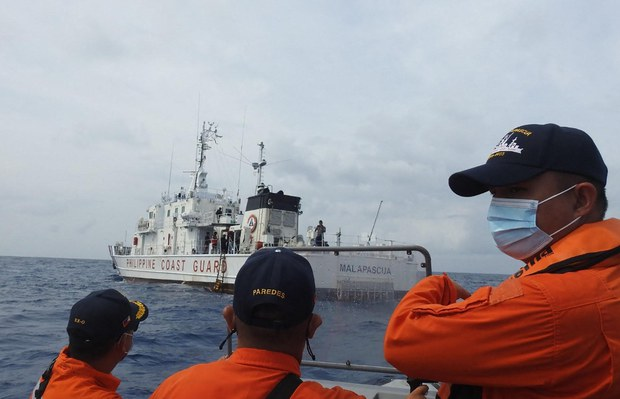 Philippines Calls on China to Stop Harassing Coast Guard Ships