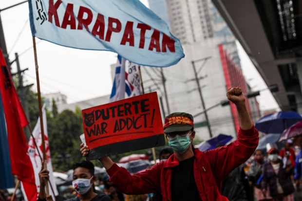 Philippine Police Arrest Journalist Accused by Military of Communist Links