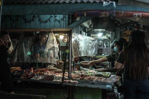 Philippine Economy Shrinks for 5th Straight Quarter Amid Pandemic