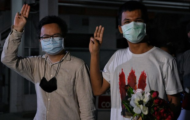 Thai Pro-Democracy Activists Charged with Lese-Majeste Freed on Bail